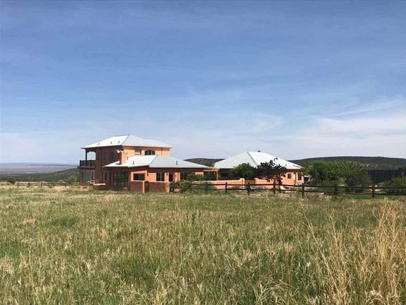 Serene Horse Property in Tranquil Des Montes, Taos, New Mexico