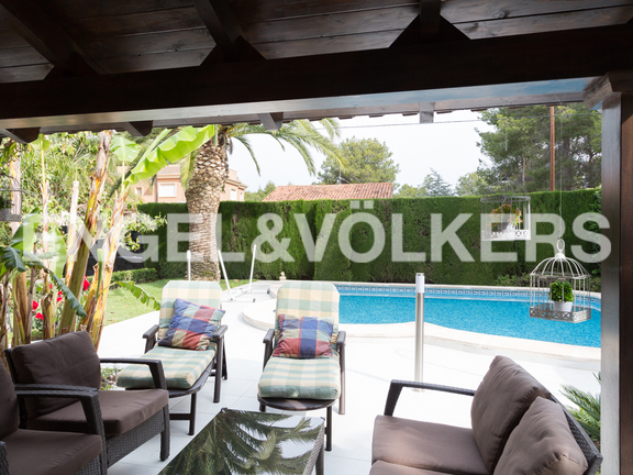 House in Entrepins - View of the garden and pool from terrace