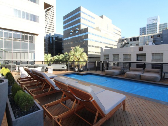 Condominium in Cape Town - Communal pool