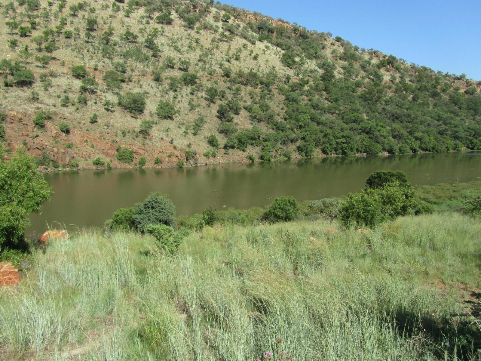 Land in Ville D' Afrique - River and mountain