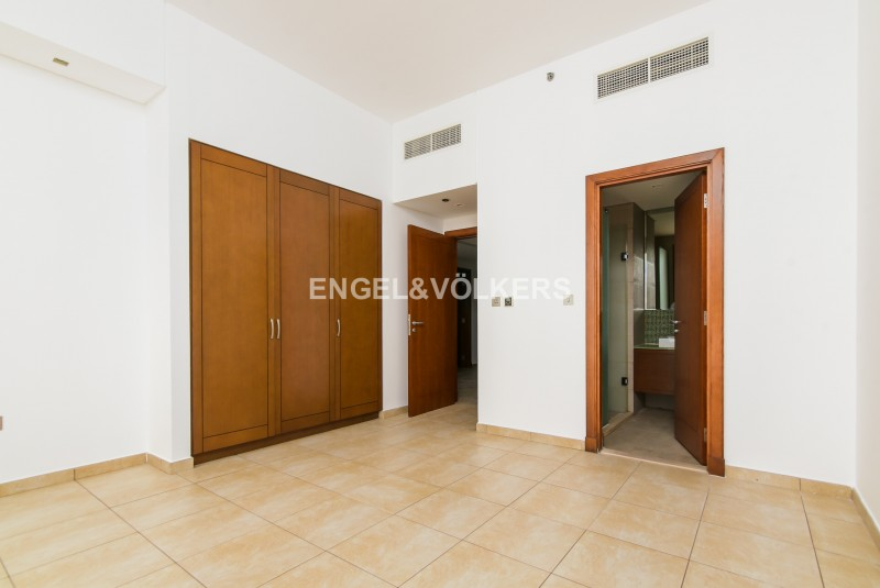 Apartment in Marina Residence 6