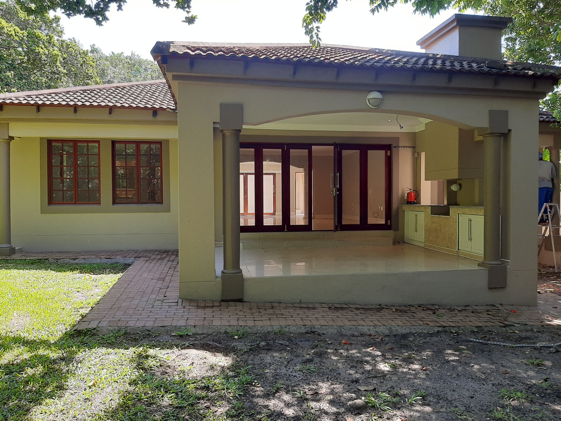 Apartment in Southbroom - Patio with built in braai