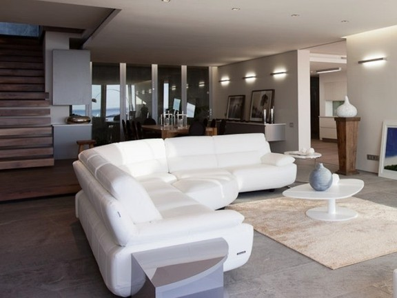 Condominium in Camps Bay - Lounge And Dining Area