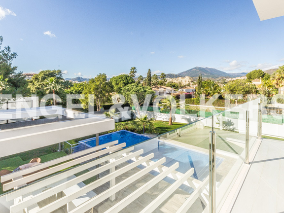 House in Marbella-Nueva Andalucía - Views From Terrace