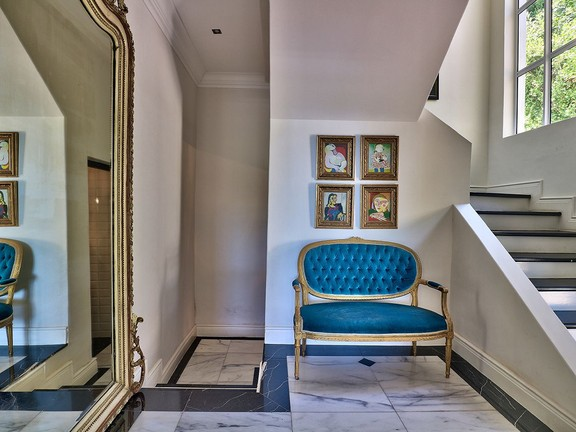 House in Camps Bay - Entrance Hall