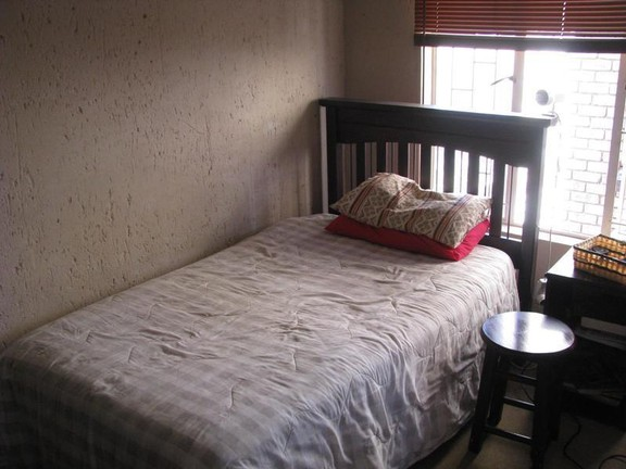 House in Bailliepark - bedroom_2_MOwbMSG.jpg