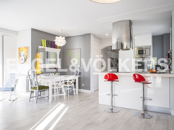 Condominium in Gros - View of the integrated kitchen