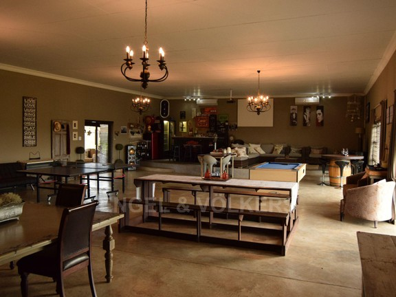 House in Grimbeekpark - magnificent entertainment room