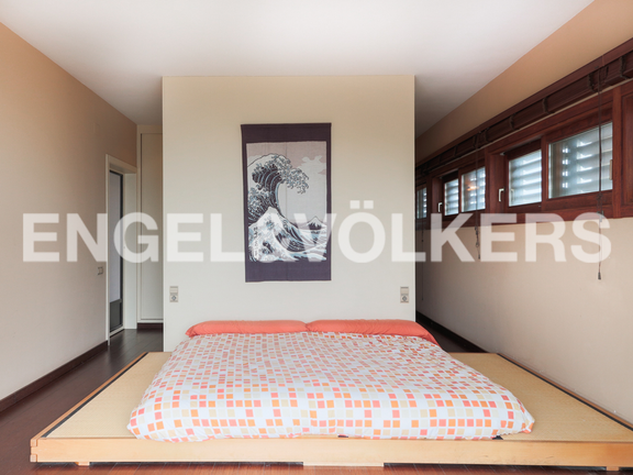 House in Cullera - Japanese style master bedroom