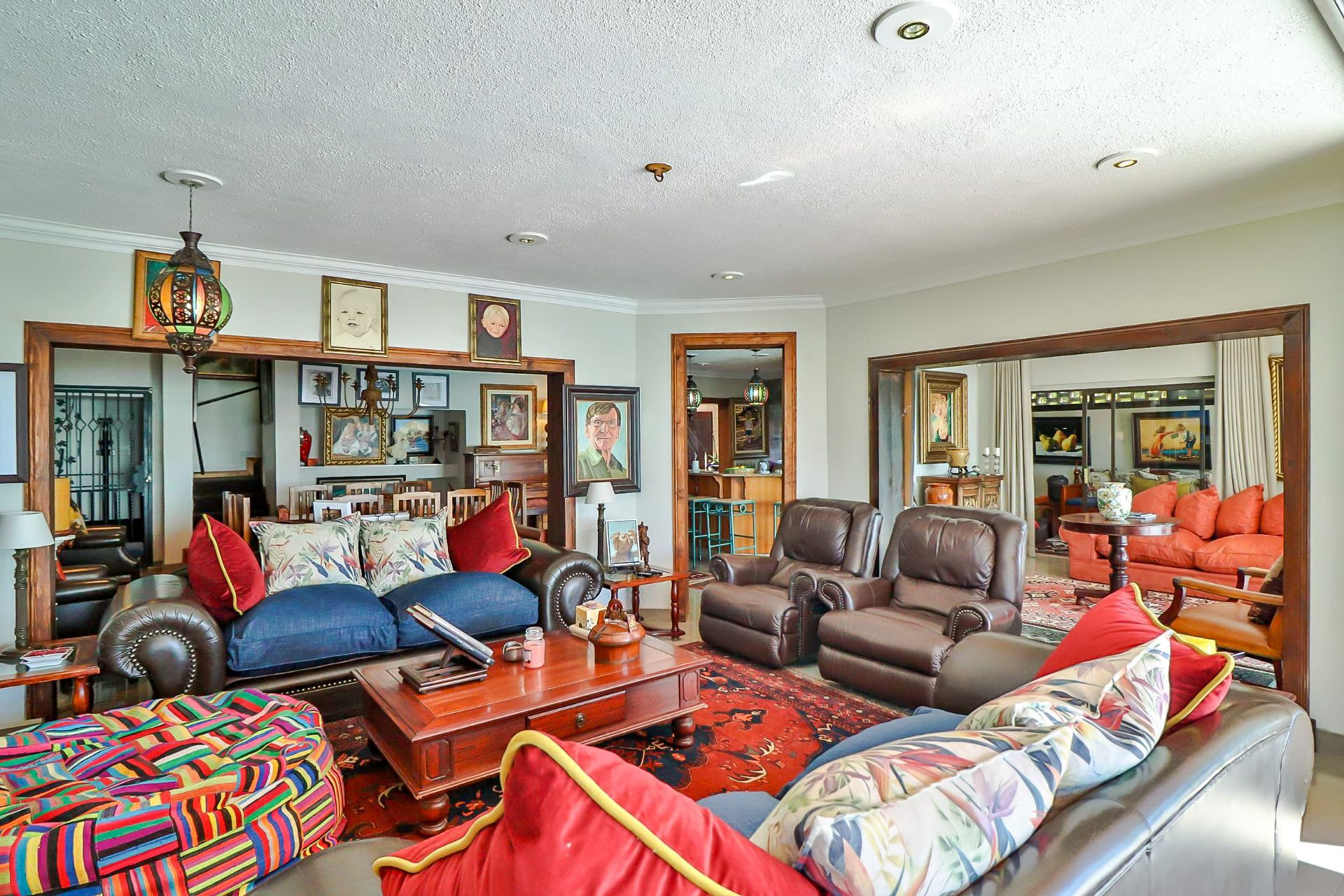 House in Kosmos Village - Lounge and dining areas flow beautifully, and there is space for all!