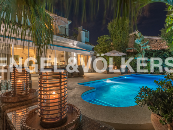 Villa for sale in Casablanca Marbella Golden Mile