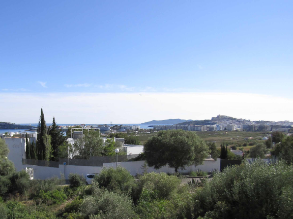 Semi-detached corner villa with sea views to Dalt Vila in Ses Torres, Jesús