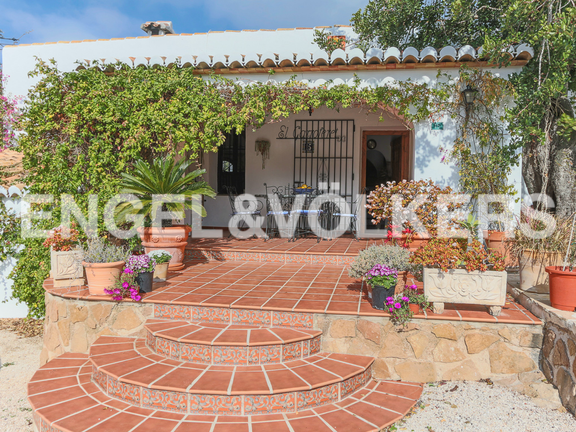 House in La Sella Golf - Entrance with naya con flowers.