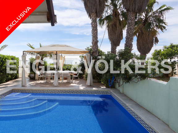 Condominium in Tavernes de la Valldigna - Terrace with private pool