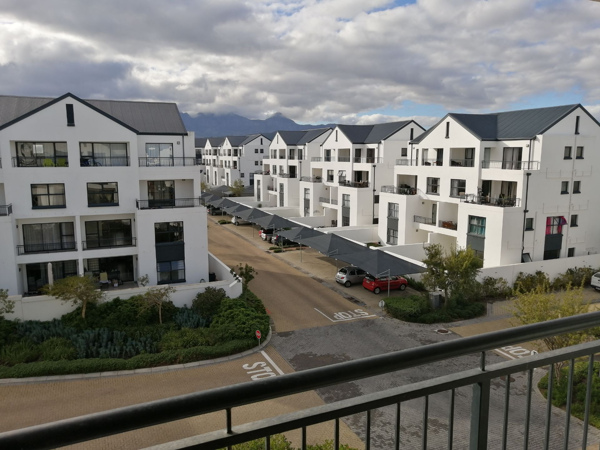 Apartment in Somerset West - IMG_20190704_102243.jpg
