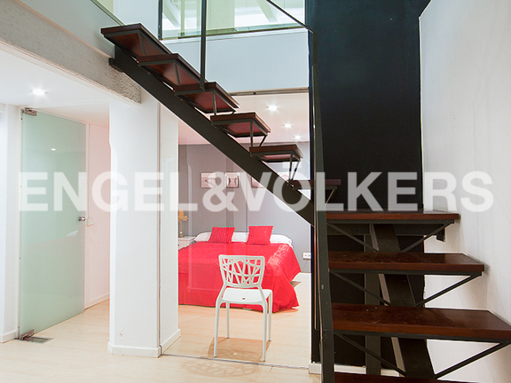 Condominium in La Seu - Detail of the staircase and loft bedroom
