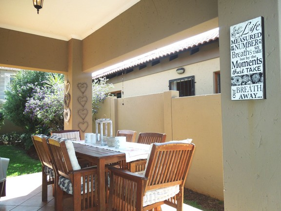 House in Ruimsig - Covered patio