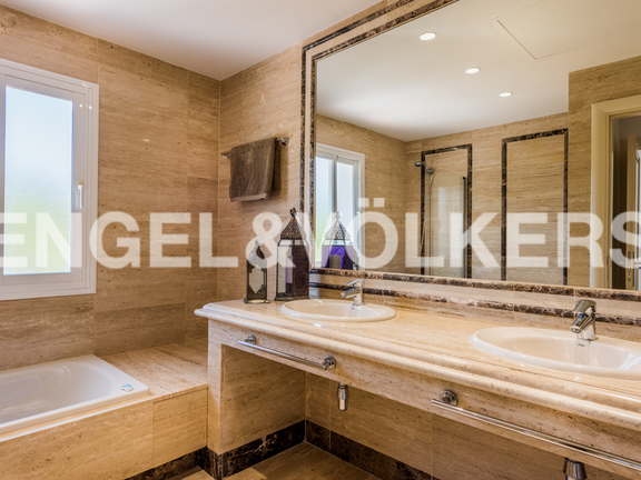 Condominium in Sierra Blanca - Master Bathroom