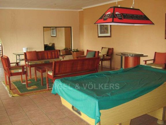 Apartment in Glenmore - 008_Complex_clubhouse__games_room.JPG