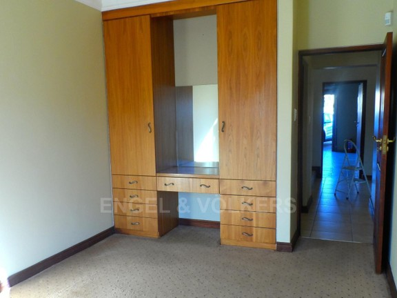 House in Waterkloof Boulevard - 1 OF 4 BEDROOMS