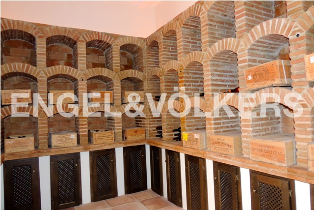 House in Sotogrande Alto - Wine Cellar
