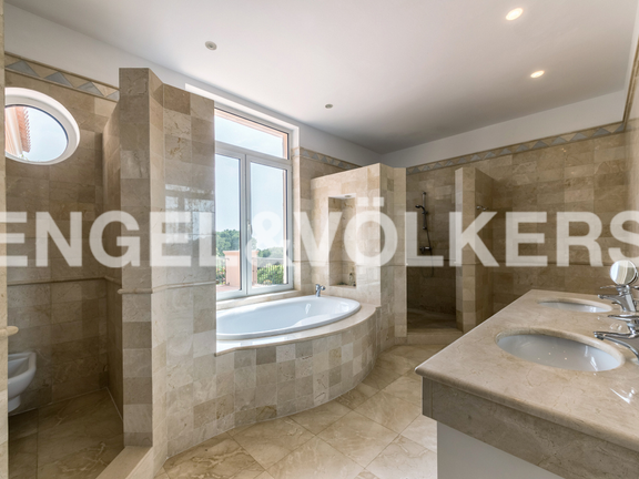 House in Marbella City - Master Bathroom