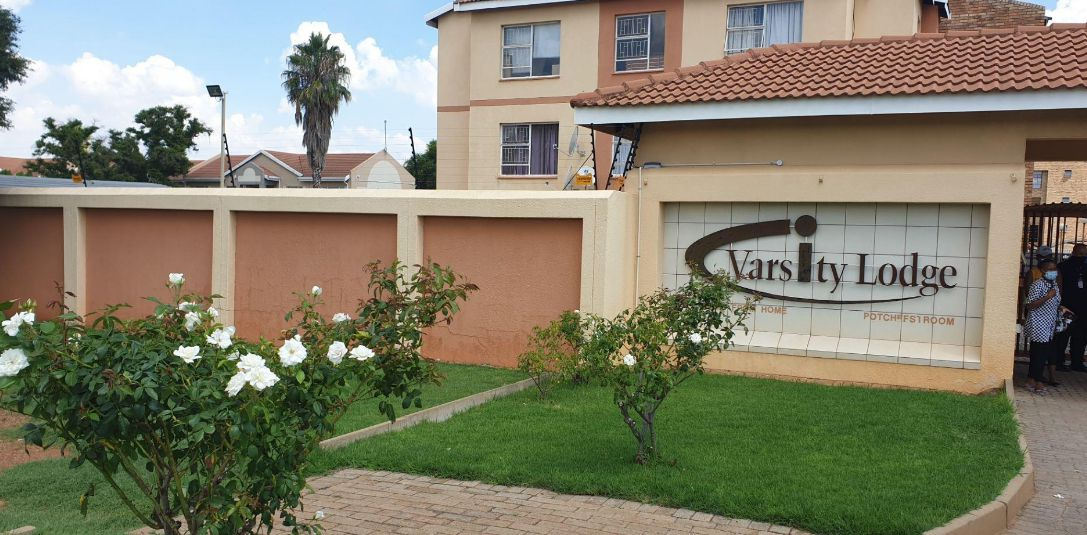 Apartment in Potchefstroom - Ingang