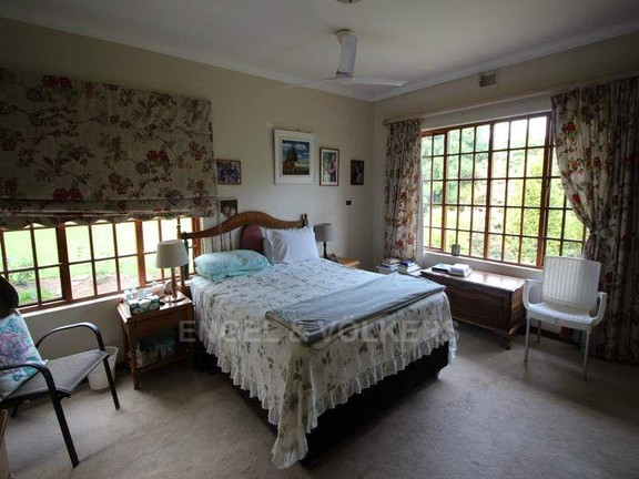 House in Uvongo - 023_Cottage_Main_bedroom.JPG