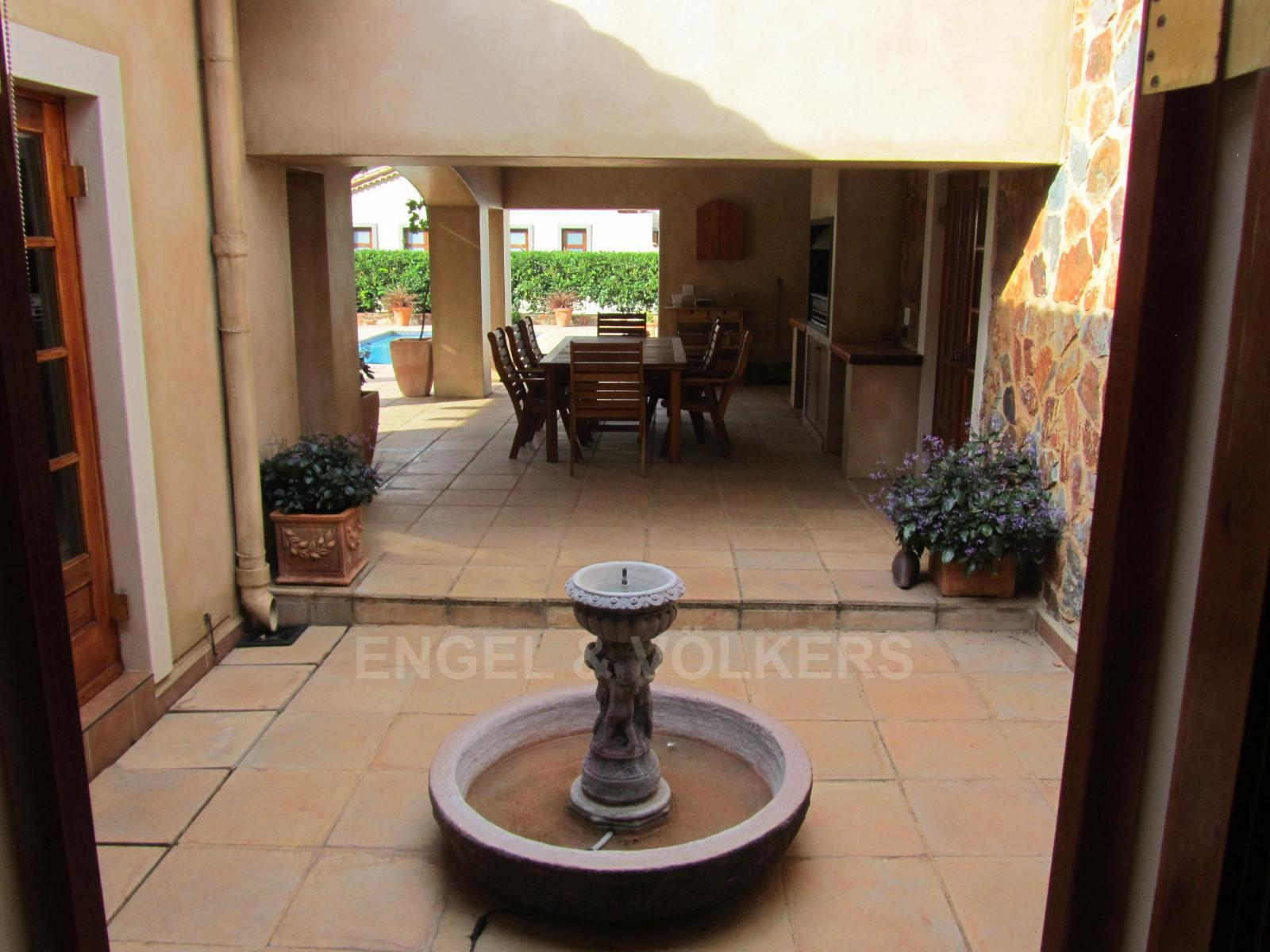 House in Ville D' Afrique - Fountain to patio