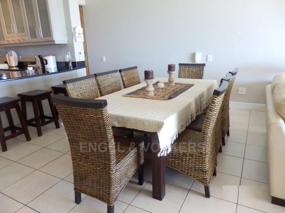 Condominium in Uvongo - 004_Dining_room_5.JPG