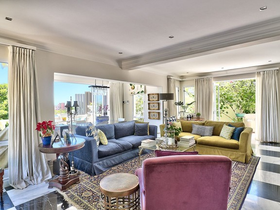 House in Camps Bay - Open plan living