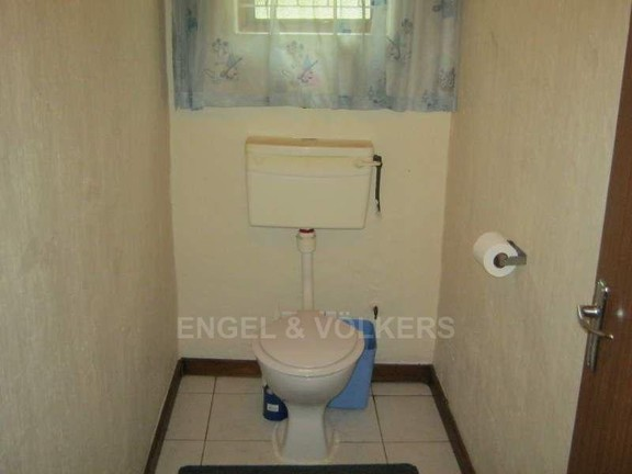 House in Trafalgar - 011_Toilet_1.JPG