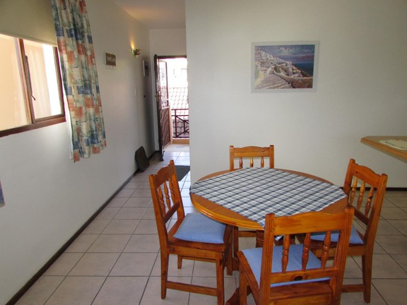 Condominium in Shelly Beach - 003_Dining_Room_yqiTe5v.JPG