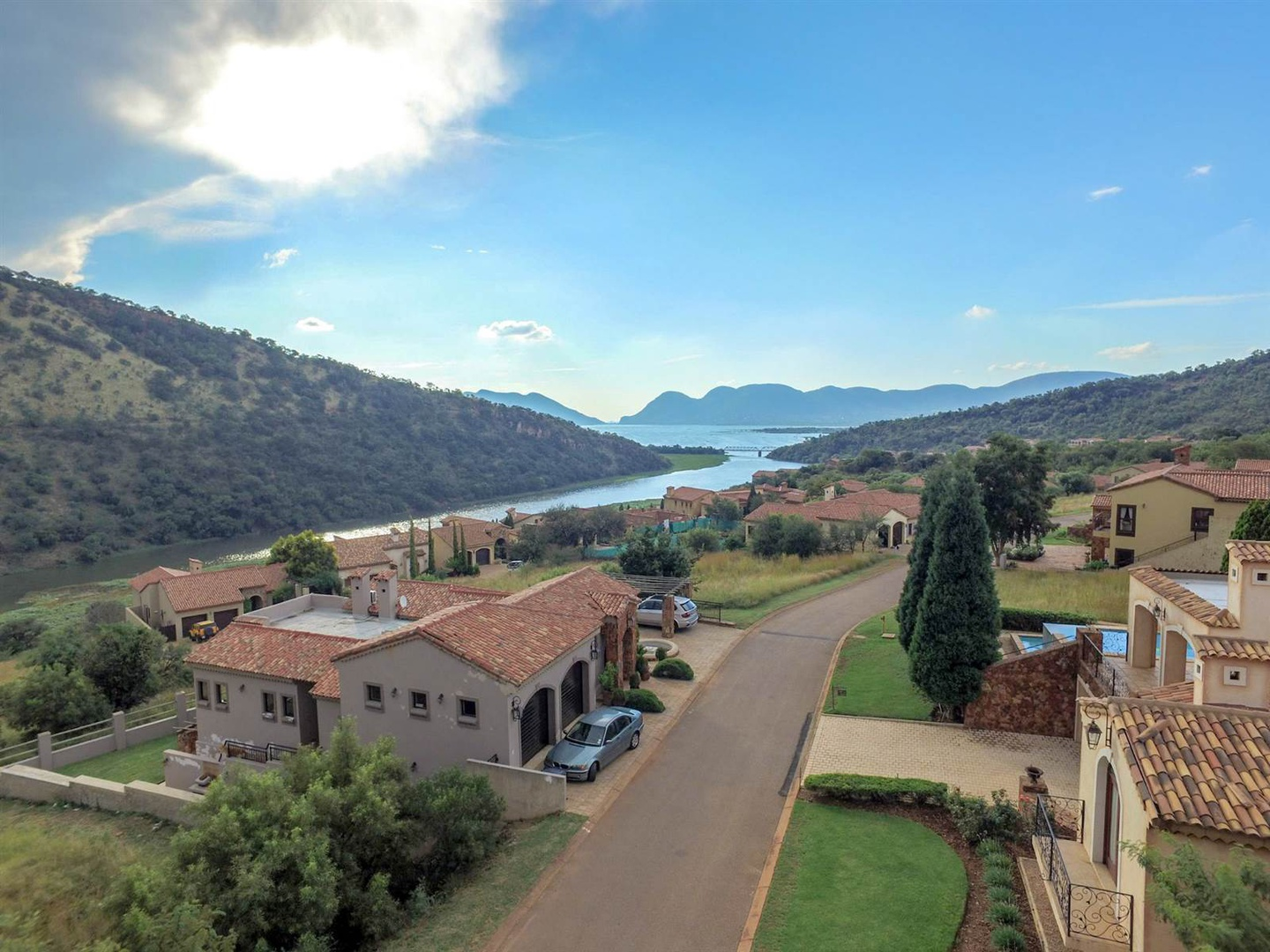 Land in Estate D' Afrique - Access to the river and dam