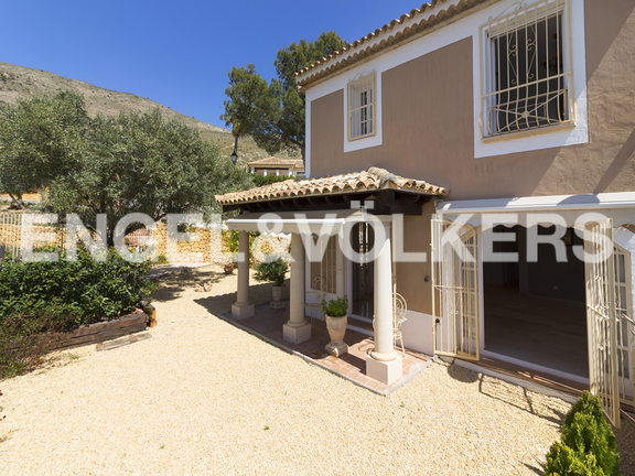 House in Finestrat - Excellent house with plot and views. Facade