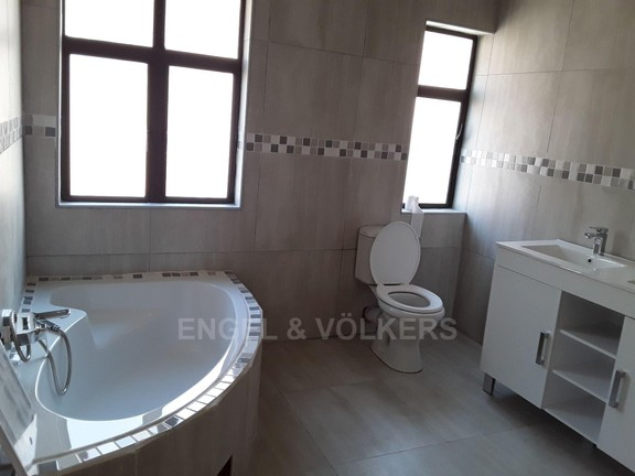 House in Xanadu Eco Park - Easy access bathrooms