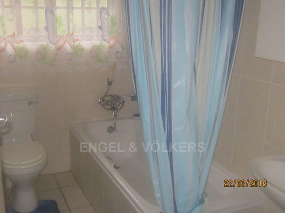 House in Margate - 010 Bathroom.JPG