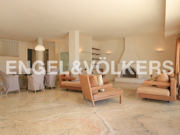 House in Las Salinas - Living area with chimney