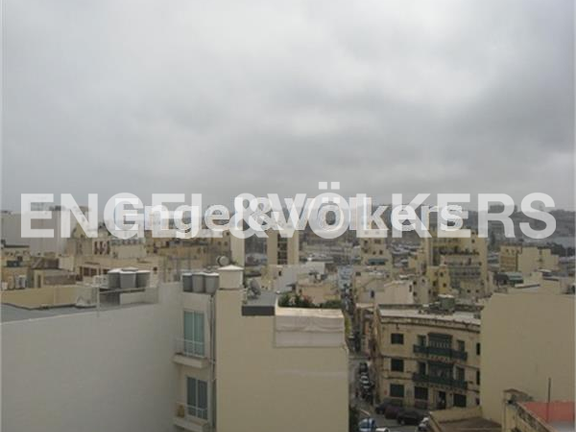 Condominium in Sliema - Sliema. Penthouse, Open Views