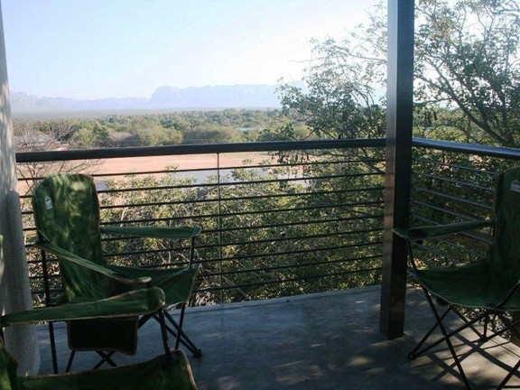 House in Hoedspruit central - Balcony