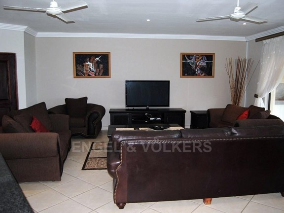 Condominium in Shelly Beach - 005 Lounge