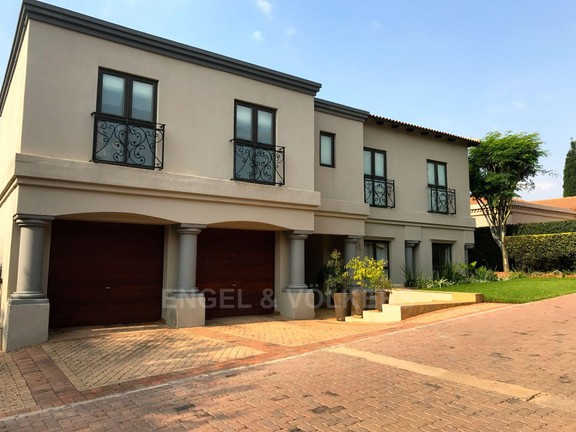 House in Waterkloof Ridge