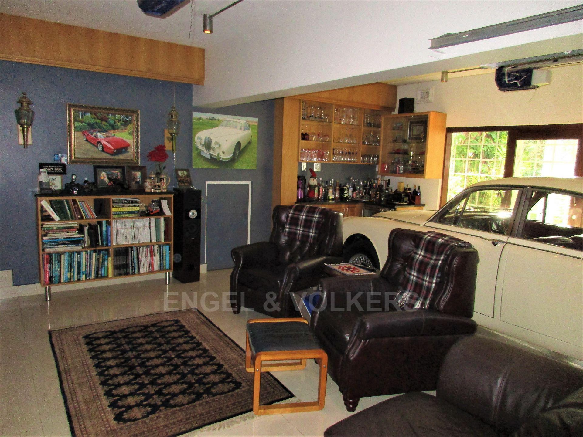 House in Uvongo - 025 - Man Cave.JPG