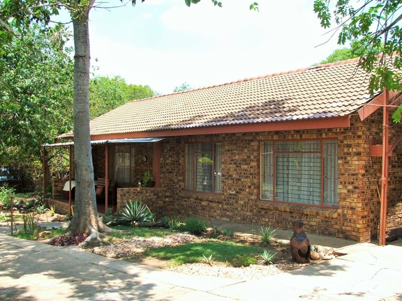 House in Hoedspruit central