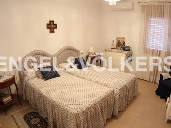 House in Benidorm Rincón de Loix - Sunny Manor House in Quiet Area. Bedroom