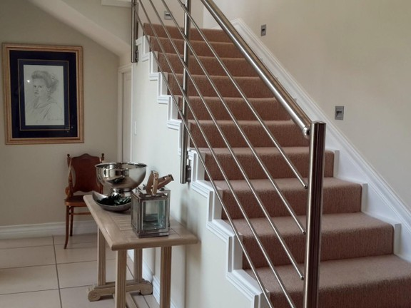 House in Magalies River Club and Golf Estate - Staircase