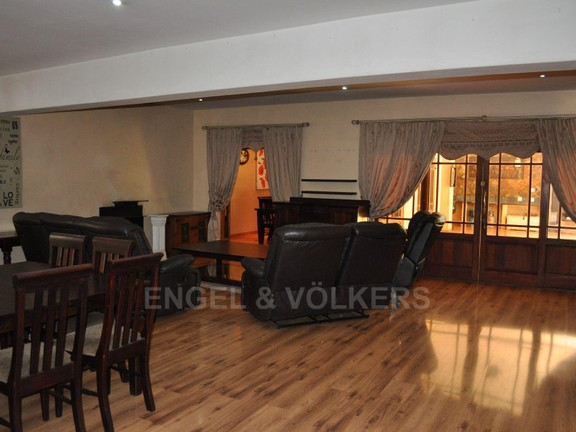 House in Doringkloof - Lounge with fireplace.JPG