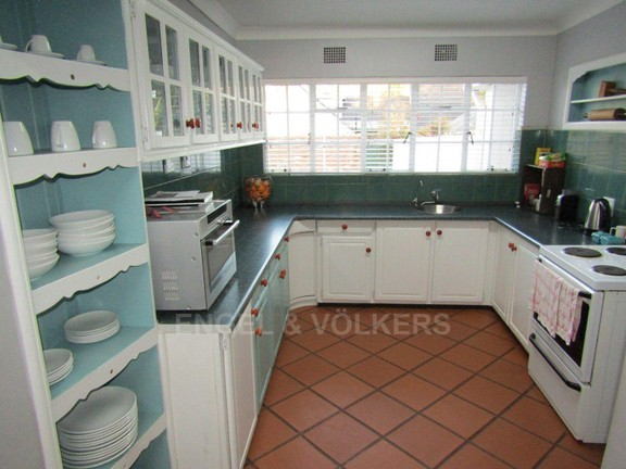 House in Dam - Kitchen
