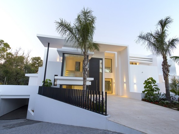 House in Beach Side New Golden Mile