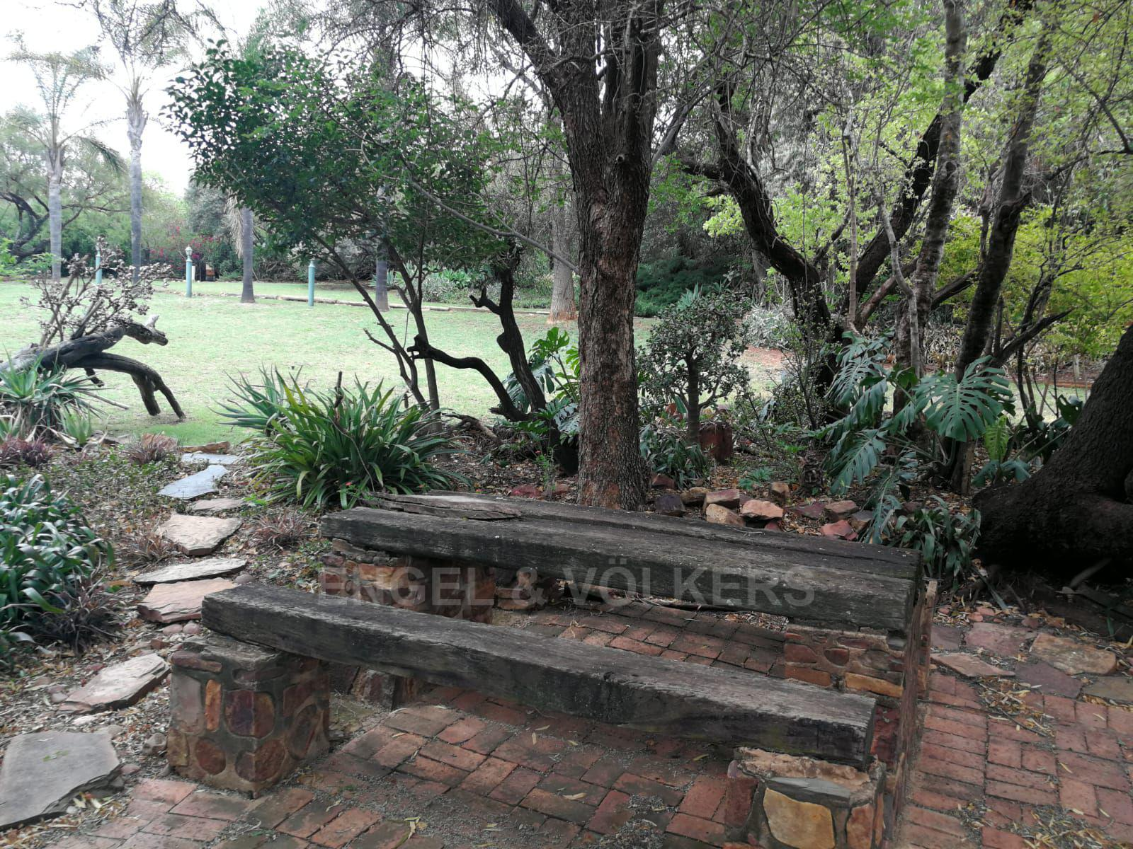 Land in Hartbeespoort Dam Area - Lovely garden features